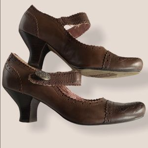 Anthropologie Seychelles brown Mary Jane shoes 7